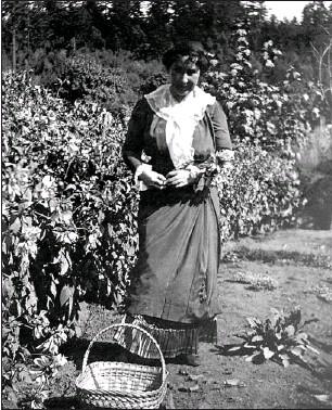 Jennie Butchart in her garden.